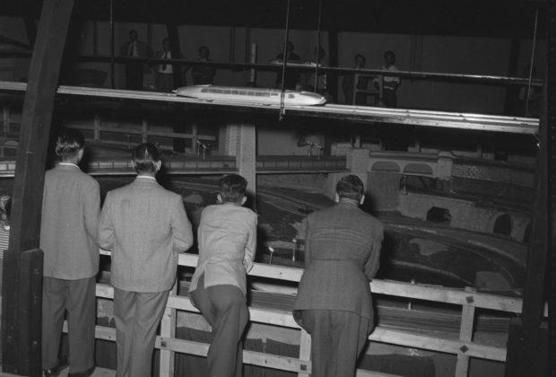 SVVB_MNS_DIG-51631_LM-17955232_1954_automatodrome.jpg